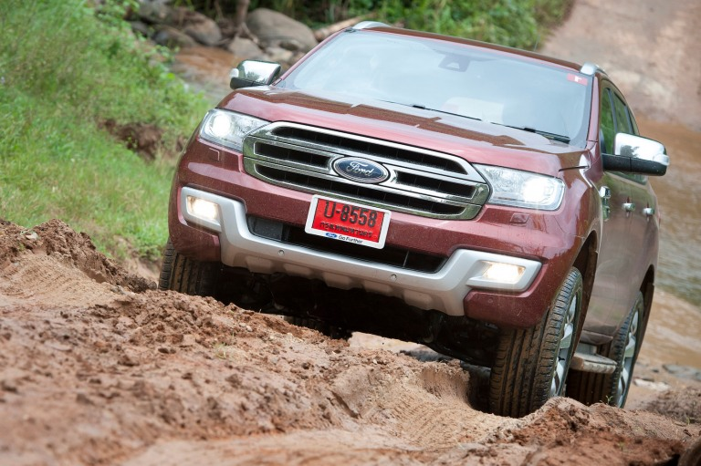 Ford Everest drive 051