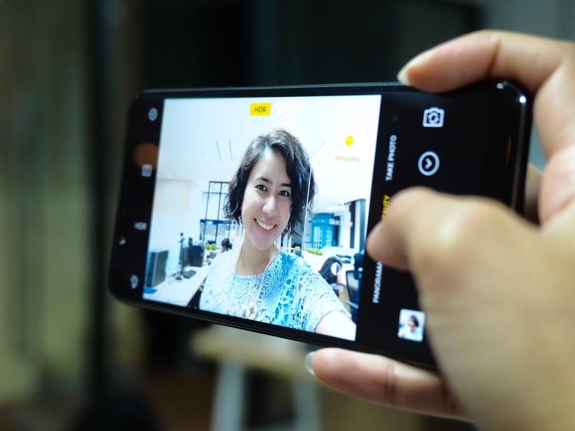 Kamera depan Vivo V7+ Intan Wibisono